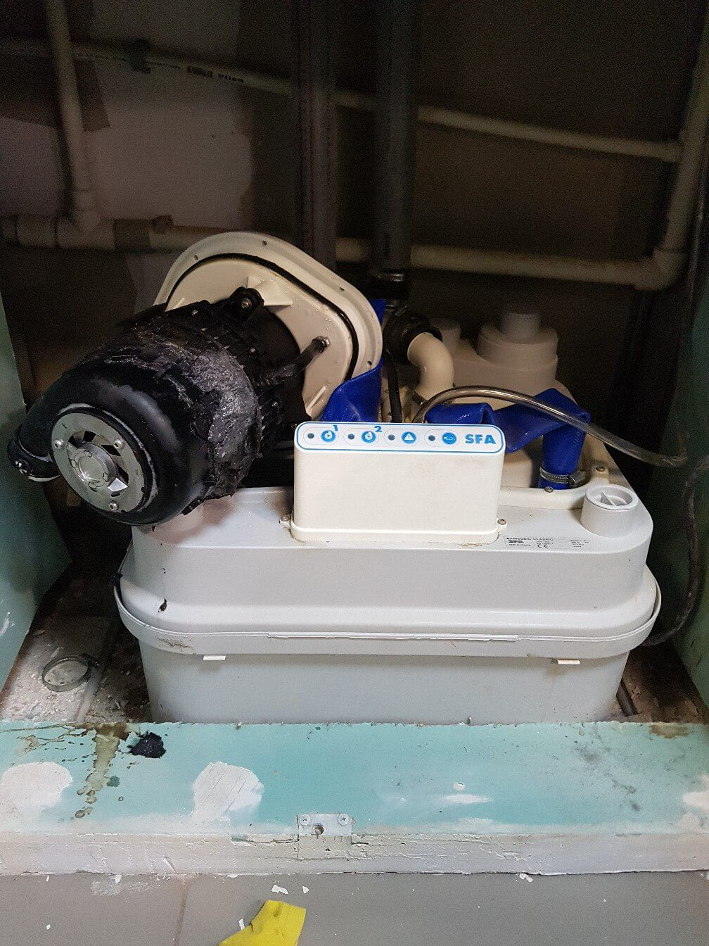 20180505-remont-sanitarnogo-nasosa-sfa-4.jpg