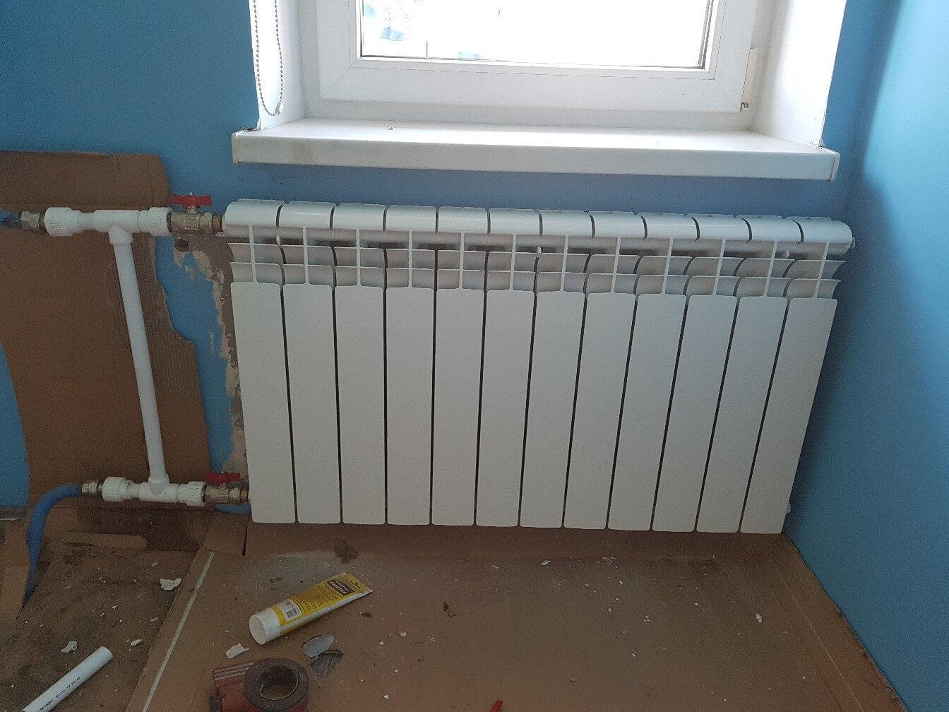 20182502-zamena-radiatora-otopleniya-1.jpg